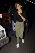 Shraddha Kapoor snapped at airport on 22nd Oct 2016 (23)_580c55454bd9a.JPG