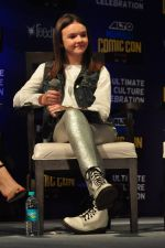 Abigail Eames with Shivaay team at Mumbai Comic Con on 23rd Oct 2016 (50)_580db3c918ba1.JPG