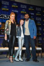 Ajay Devgan, Erika Kaar, Abigail Eames with Shivaay team at Mumbai Comic Con on 23rd Oct 2016 (37)_580db3d12dce7.JPG