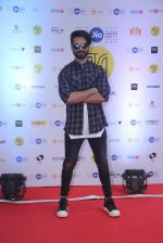 Shahid Kapoor at Mami Film Festival 2016 on 23rd Oct 2016 (23)_580db1035ad40.JPG