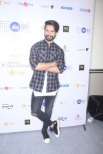 Shahid Kapoor at Mami Film Festival 2016 on 23rd Oct 2016 (46)_580db105d83c5.JPG