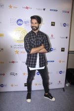 Shahid Kapoor at Mami Film Festival 2016 on 23rd Oct 2016 (48)_580db1072414e.JPG