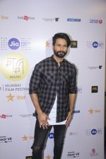 Shahid Kapoor at Mami Film Festival 2016 on 23rd Oct 2016 (51)_580db1090885f.JPG