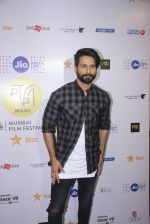 Shahid Kapoor at Mami Film Festival 2016 on 23rd Oct 2016 (52)_580db1099d861.JPG