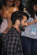 Shahid Kapoor at Mami Film Festival 2016 on 23rd Oct 2016 (65)_580db11192cee.JPG