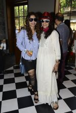 Shobha De at Clearing House launch in Mumbai on 23rd Oct 2016 (115)_580dbf74584a2.JPG