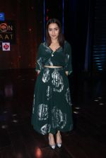 Shraddha Kapoor promote Rock On 2 on the sets of Yaaron Ki Baraat Show on Zee Tv on 23rd Oct 2016 (50)_580db2253a243.JPG