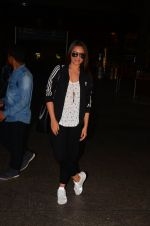 Sonakshi Sinha snapped at airport on 23rd Oct 2016