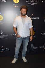 Vikas Bahl at Chandon, Four Seasons bash hosted by Kiran Rao on 24th Oct 2016 (200)_580f6f7039efd.JPG