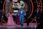 Hrithik Roshan on the sets of Jhalak Dikhla Jaa 9 grand finale on 25th Oct2016 (11)_58105b3d44035.JPG