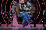 Hrithik Roshan on the sets of Jhalak Dikhla Jaa 9 grand finale on 25th Oct2016 (12)_58105b3fdde52.JPG