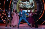 Hrithik Roshan on the sets of Jhalak Dikhla Jaa 9 grand finale on 25th Oct2016 (13)_58105b4281eb2.JPG