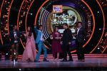 Hrithik Roshan on the sets of Jhalak Dikhla Jaa 9 grand finale on 25th Oct2016 (14)_58105b44e4254.JPG