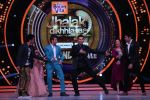 Hrithik Roshan on the sets of Jhalak Dikhla Jaa 9 grand finale on 25th Oct2016 (15)_58105b46e892d.JPG