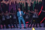 Hrithik Roshan on the sets of Jhalak Dikhla Jaa 9 grand finale on 25th Oct2016 (2)_58105b26d4898.JPG
