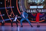 Hrithik Roshan on the sets of Jhalak Dikhla Jaa 9 grand finale on 25th Oct2016 (24)_58105b5b9be19.JPG