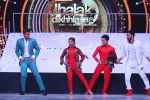 Hrithik Roshan on the sets of Jhalak Dikhla Jaa 9 grand finale on 25th Oct2016 (4)_58105b29b0811.JPG