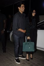 Karisma Kapoor, Manish Malhotra at Ae Dil Hai Mushkil screening on 25th Oct 2016 (103)_5810b82811f36.JPG