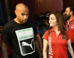 Nita Ambani snapped with Henry Thiery on 25th Oct 2016 (2)_58105b98e4f06.jpg