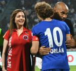 Nita Ambani snapped with Henry Thiery on 25th Oct 2016 (8)_58105b9d93859.jpg
