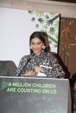 Sonam Kapoor at Fight for Hunger foundation on 25th Oct 2016 (30)_58105359f1e2c.JPG