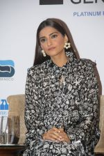 Sonam Kapoor at Fight for Hunger foundation on 25th Oct 2016 (44)_58105365bf1f7.JPG