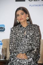 Sonam Kapoor at Fight for Hunger foundation on 25th Oct 2016 (45)_58105366c5ea2.JPG
