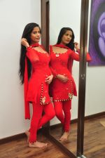 Poonam Pandey Diwali Shoot on 26th Oct 2016 (21)_5812f99fa0b50.JPG