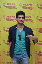 Tahir Raj Bhasin at Mirchi 98.3 studio on 26th Oct 2016 (5)_5812f04bcbf4d.JPG