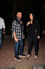 Sanjay Kapoor snapped at dinner in bandra on 27th Oct 2016 (1)_5814b7e55360d.JPG