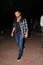 Sanjay Kapoor snapped at dinner in bandra on 27th Oct 2016 (8)_5814b7f0d5d90.JPG