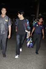 Sidharth Malhotra snapped at airport on 28th Oct 2016 (7)_5814c130637ae.JPG