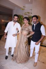 Shekhar Ravjiani at Manish Malhotra_s diwali party on 28th Oct 2016 (29)_5815dd5999f34.JPG