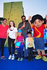 Ajay Devgan, Abigail Eames promotes Shivaay on 29th Oct 2016 (52)_58172d65e26cf.JPG