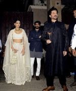 Anil Kapoor_s Diwali bash on 30th Oct 2016 (15)_581747af63de0.JPG