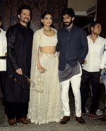 Anil Kapoor_s Diwali bash on 30th Oct 2016 (29)_581747b23fce1.JPG