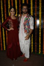 Asha Negi, Ritvik Dhanjani at Ekta Kapoor_s Diwali bash on 29th Oct 2016 (197)_581738597ac2a.JPG
