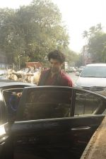 Siddharth Roy Kapoor and Aditya Roy Kapoor snapped outside their home in Juhu on 29th Oct 2016 (1)_58172fba09408.JPG