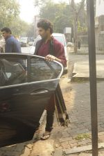 Siddharth Roy Kapoor and Aditya Roy Kapoor snapped outside their home in Juhu on 29th Oct 2016 (11)_58172fbdedbd8.JPG