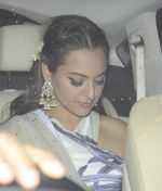 Sonakshi Sinha at Anil Kapoor_s Diwali bash on 30th Oct 2016 (150)_58174d352c0ee.JPG