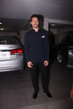 Tiger Shroff at Aamir Khan_s Diwali bash on 30th Oct 2016 (61)_58174fc060f2b.JPG