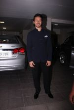 Tiger Shroff at Aamir Khan_s Diwali bash on 30th Oct 2016 (62)_58174fc1061f6.JPG