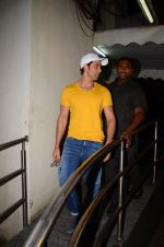 Hrithik Roshan snapped at PVR Juhu on 31st Oct 2016 (25)_58188ba6a36d3.JPG