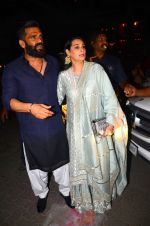 Sunil Shetty, Mana Shetty at BIG B_s Diwali bash on 31st Oct 2016 (77)_581888bc0a74d.JPG