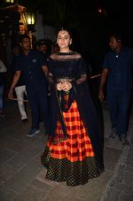 Taapsee Pannu at BIG B_s Diwali bash on 31st Oct 2016 (65)_581888c831a20.JPG