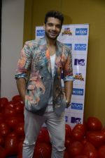 Karan Kundra at MTV Love school photo shoot on 3rd Nov 2016 (54)_581b476367e49.JPG