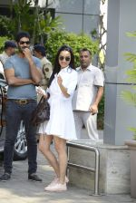 Shraddha Kapoor snapped with Rock On 2 Team on 2nd Nov 2016 (17)_581b43e45f337.JPG
