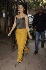 Shraddha Kapoor with Rock On 2 team snapped in Mumbai on 3rd Nov 2016 (9)_581c2e56bcd6d.JPG