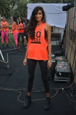 Anushka Manchanda at guiness record for PUMA on 6th Nov 2016 (59)_5820917273e34.JPG