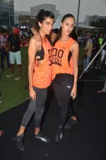 Anushka Manchanda at guiness record for PUMA on 6th Nov 2016 (84)_582091752a1db.JPG